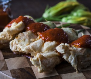 Stuffed zucchini flowers with Harissa sauce