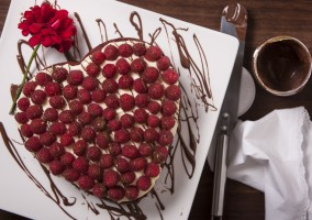 red velvet nutella cake with raspberries