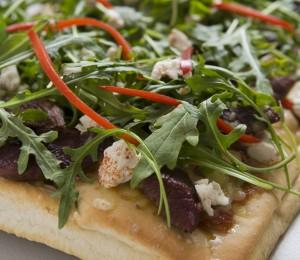 Kangaroo with tomato chilli relish pizza