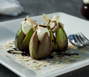 Baked figs with mascarpone and balsamic vinegar drizzle