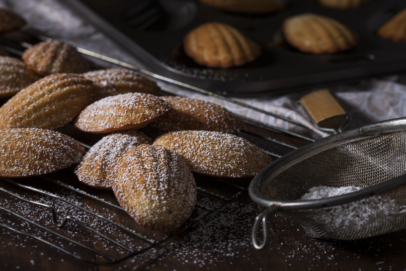 Madeleines oven baked