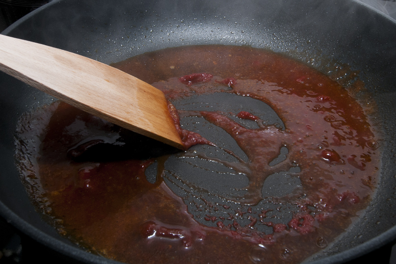 how to deglaze a pan